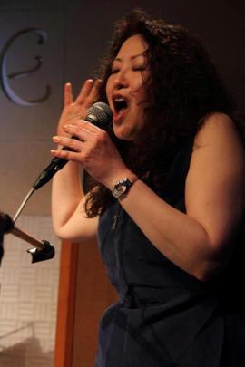 Yumi performs 'Dynamate/I am Your Animal' at Kanda Isolde, 2013, (photo: Hideki Matsumoto)
